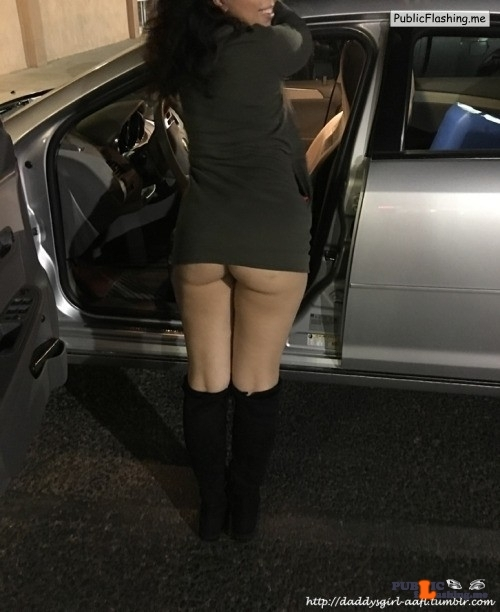 No panties daddysgirl-aafl: Outside Starbucks Very daring pantiesless