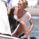 Exposed in public Sharon Stone flashing pussy…