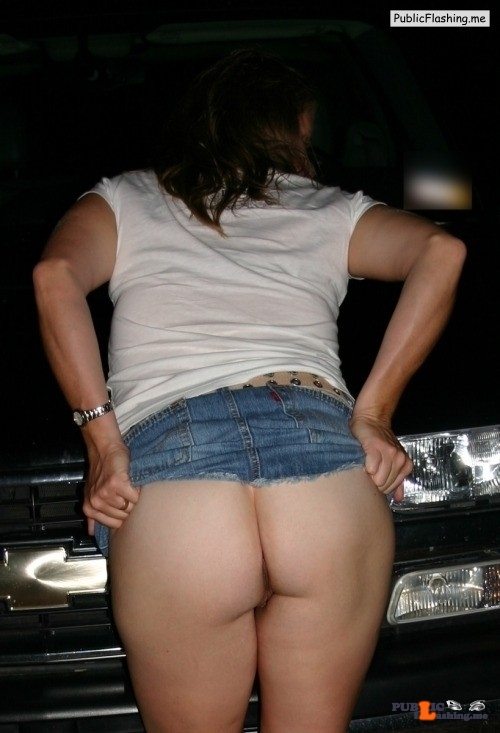 No Panties Sexycougarhotwife Just Lifting My Skirt In -6175