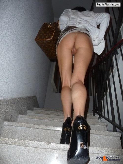 No panties bi-tami: Following LilSis up the stairs  Pretty heels tooTami @… pantiesless