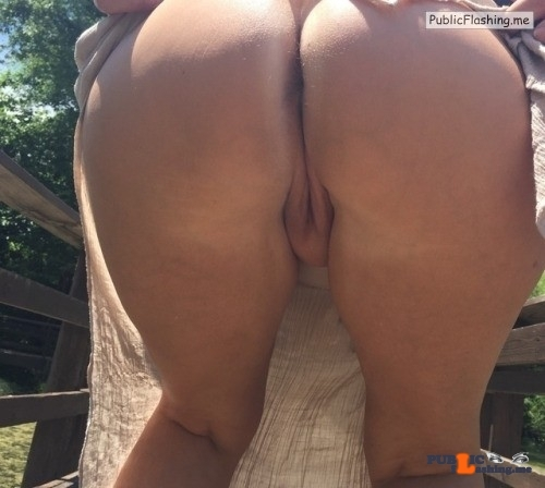 No panties What a great view. Second that @wifexyz pantiesless