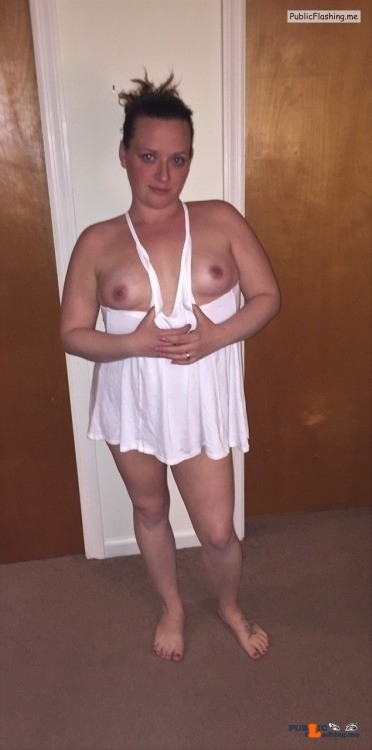 Public Flashing Photo Feed : No panties slavegirl-entertainment: Not only did Erin go bra-less this… pantiesless