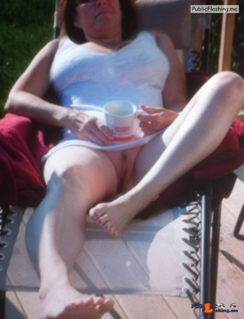Public Flashing Photo Feed : No panties 555666zzz: The Sun's out in my garden and I'm sure my neighbour… pantiesless