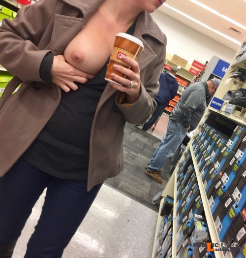 Exposed in public Top shelf flasher, Elle… Public Flashing