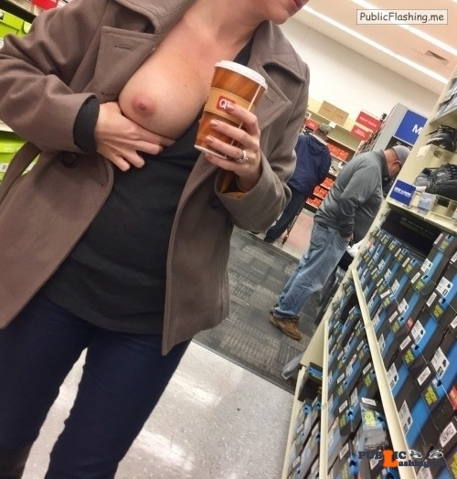Exposed in public Top shelf flasher, Elle…