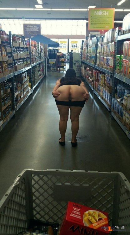 Flashing in public store Looks like there is a special on Beaver in aisle... Public Flashing