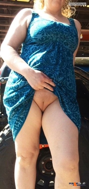 Public Flashing Photo Feed : No panties veronicaelectronica14: I love this feeling!! ☀️?? pantiesless