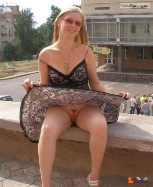 kingupskirt: MORE UPSKIRT flashing in public picture