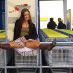 Public flashing photo flashthegash: Brunette shopping commando style
