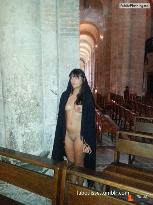 labouisse: Confesse (06/11/2016) flashing in public picture