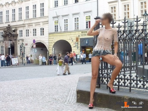 theaccidentalnudity: MORE flashing in public picture Public Flashing