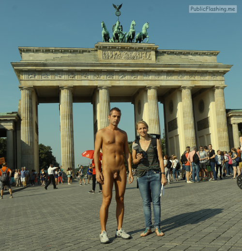 Public nudity photo http://ift.tt/2tJbBJV