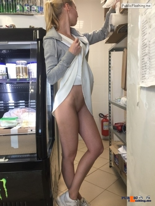 No panties Happy commando friday @sexblonde pantiesless