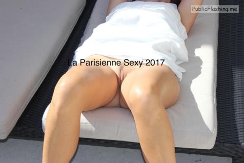 No panties la-parisienne-sexy: Bonne journée ?? ?? ??Copyright © La… pantiesless