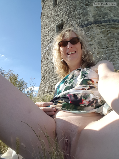 No panties essex-girl-lisa: Just me flashing at the local beauty spot… pantiesless