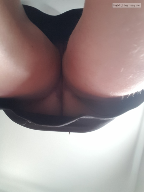 Public Flashing Photo Feed : No panties mylittlesecretonthewebmchgrl909: i dont know what it is about… pantiesless