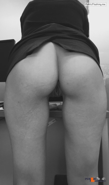 No panties princesskinkyboots: Had to take a break from sitting at the… pantiesless