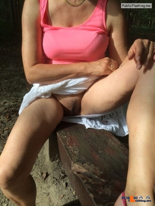 Public Flashing Photo Feed : No panties Thanks for the submission @justepourleplaisirus pantiesless