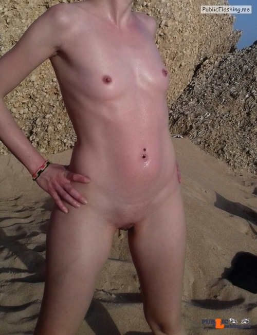 No panties carlotabisex: Beach day / nude day Thanks for sharing pantiesless