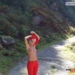 Outdoor nude selfshot naked hiking!