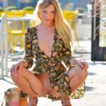 Public flashing photo upskirt-public: Riley in Public http://tiny.cc/reswiy
