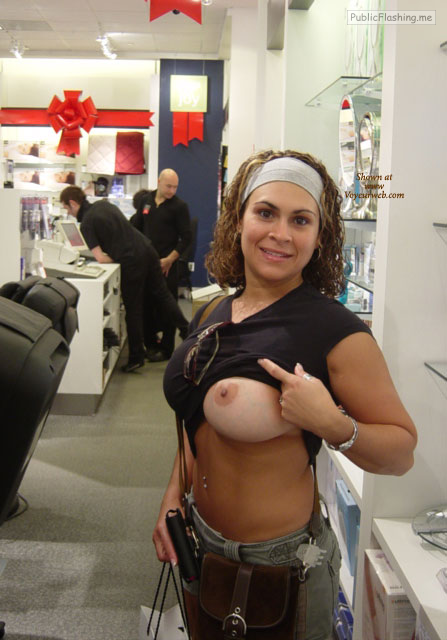 Public flashing photo exposed-in-public: At the copy store on Flashing Friday
