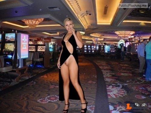 nude women in las vegas