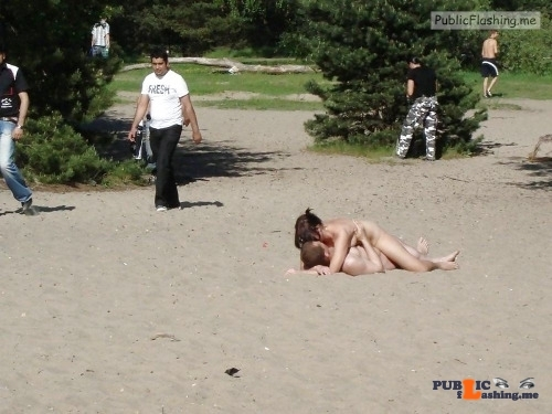 Public nudity photo hotbeachsexcnudeblog:Fuck her on the beach Follow me for more…