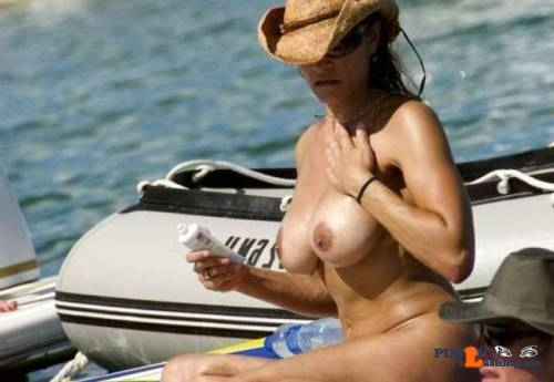 Public flashing photo best-beach-babes-2018: ???
