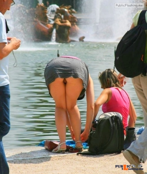 Public flashing photo pantyless-upskirt-love:Fountain upskirt oops