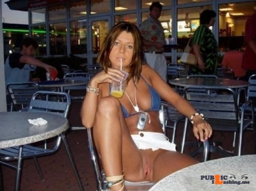 Public flashing photo cristobelspublic:do you want more outside flashing pics? well…