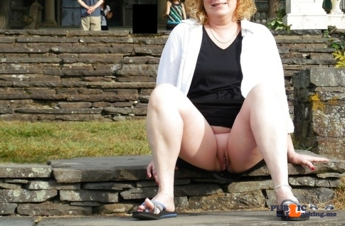 Public Flashing Photo Feed : No panties Thanks for the submission @funupstatecpl pantiesless