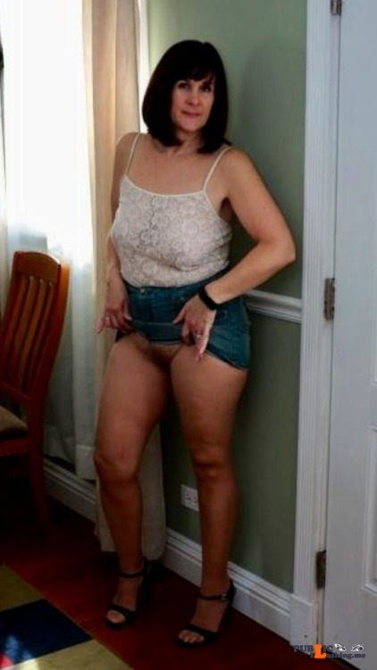 Public Flashing Photo Feed : No panties How's this for no knickers? Thanks for the submission @dicmano pantiesless