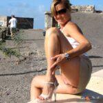 Public flashing photo hot-public-flashing: perverted-moms: 😜