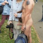 Public nudity photo cfnmadvrntures: grufti38: Cool die asiatische Tussi lässt sich…