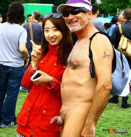 Public nudity photo girl-wife: 白人与亚洲妹子! Follow me for more public exhibitionists:…