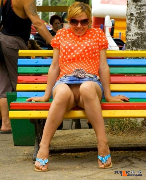 pantylessuniverse: Benched flashing in public picture