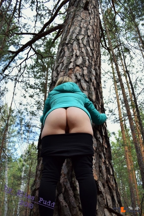 No panties eliaspudd: Several photos on nature. Of course she was without… pantiesless