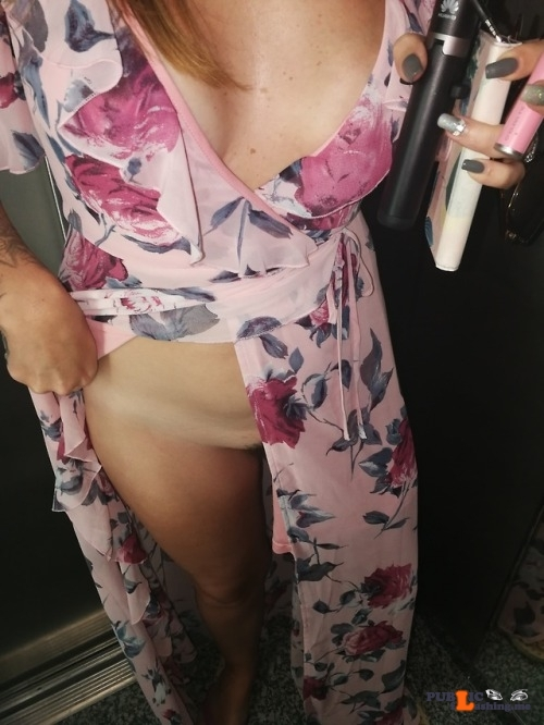 No panties richaz69: Lift flash pantiesless