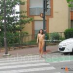 Public nudity photo labouisse31: Passage piéton …  sans veste ni jupe  3/3 C'est…