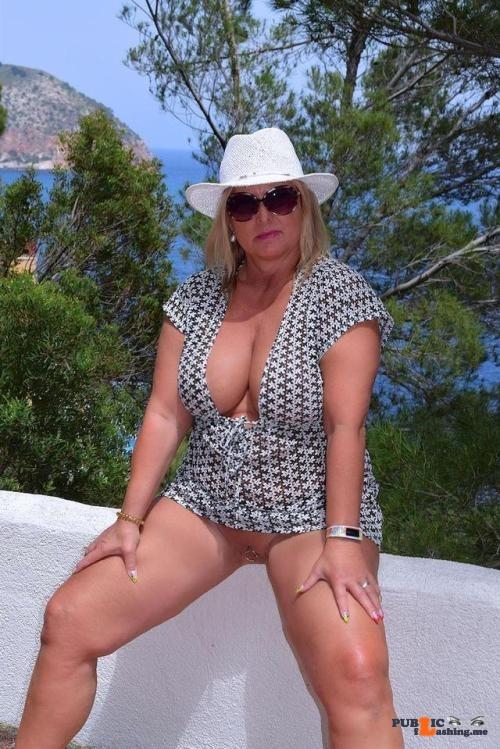 Public Flashing Photo Feed : No panties nudechrissy: posing in Mallorca pantiesless