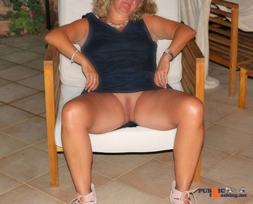 Public Flashing Photo Feed : No panties itsrockhard: another upskirt pic pantiesless