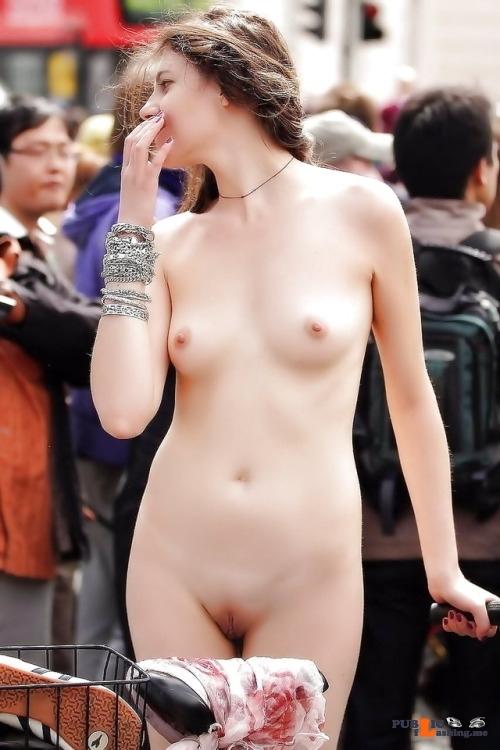 Public Flashing Photo Feed : Public nudity photo spyder999:https://ift.tt/2MIwOKT…