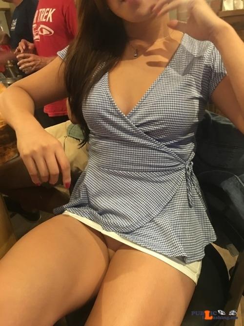 No panties tlomles: At the bar pantiesless