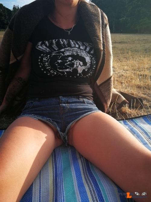 No panties richaz69: My new favourite shorts pantiesless