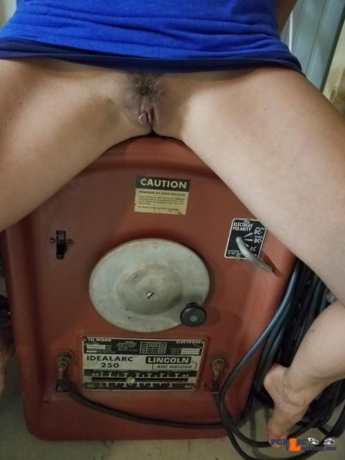 Public Flashing Photo Feed : No panties peepenthom: Peepenthom.. my helper.. pantiesless