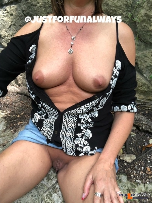 No panties justforfunalways: Stopped to have lunch at the park. I love… pantiesless