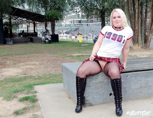 No panties mastersbuttcat: #buttcat flashing in public. pantiesless