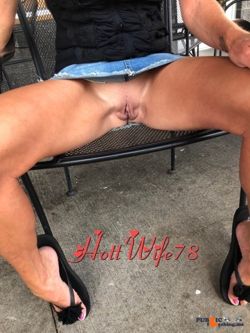 No panties hottwife78: Lunch again with the hubby!!!!🍻😍 pantiesless