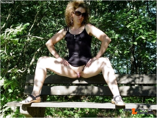 Public Flashing Photo Feed : No panties alistergee: Bottomless ? pantiesless